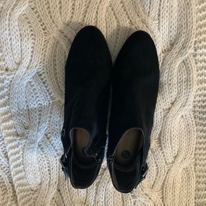 Dressbarn black ankle boots